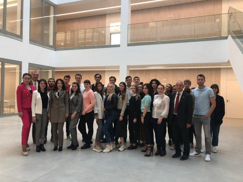 Делегация студентов и сотрудников СГУ вернулась из научно-практической поездки в Университет Хайльбронн (Германия)